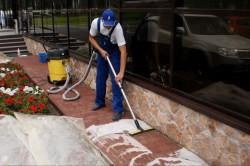 Чем отмыть тротуарную плитку от загрязнения