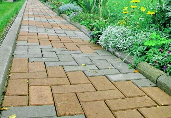 Дорожка из бетонной плитки