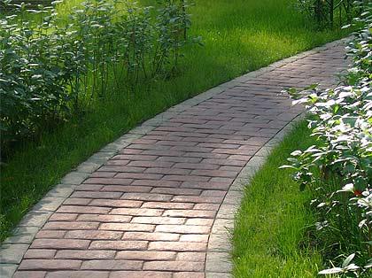 Садовая дорожка из брусчатки
