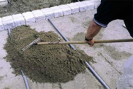 Укладка песчаной подушки
