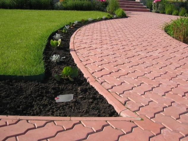 Самодельная тротуарная плитка - это красота, эстетичный вид и практичность