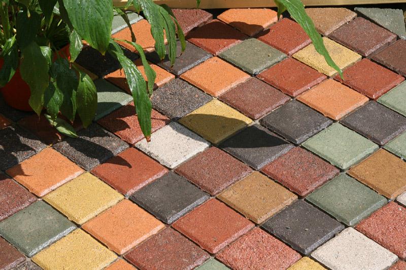 покраска готовой бетонной плитки своими руками