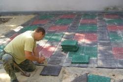 Кладка большой плитки требует меньших трудозатрат