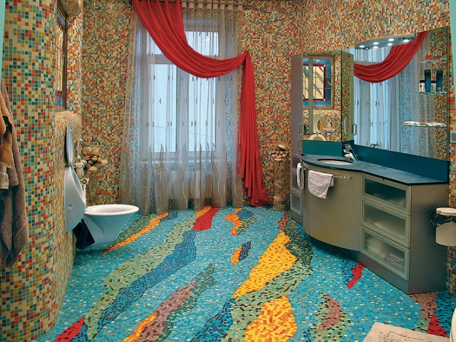 Ванная комната из битой керамической плитки