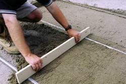 Прослойка из бетонной стяжки