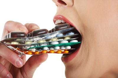 Лечение во всех случаях предусматривает применение комплекса препаратов от дисбактериоза