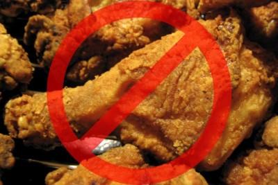 На время лечения нужно отказаться от фастфуда, жареного, жирного, полуфабрикатов, так как все перечисленные продукты имеют большое количество простых жиров