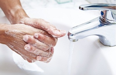 Нужно мыть руки после посещения туалета