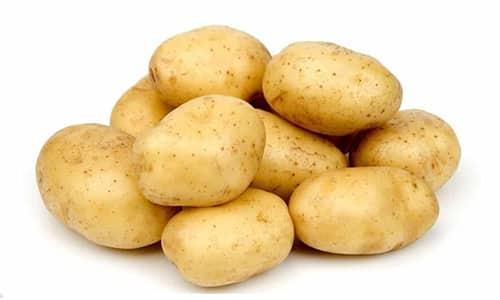 Для приготовления супа понадобятся 2-3 картофелины