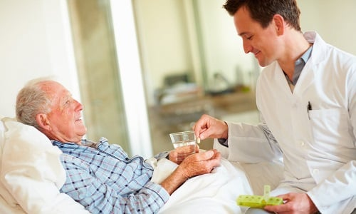 На неоперабельных стадиях болезни проводится только паллиативное терапевтическое лечение, направленное на облегчение состояния больного, продление его жизни