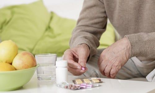 Для уменьшения диспепсических проявлений на фоне лечения таблетки Мексидол лучше принимать после еды
