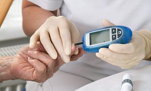 С осторожностью лекарство назначается при сахарном диабете