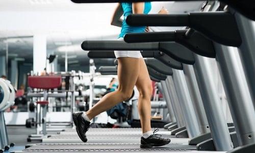 Для профилактики воспалительных процессов в поджелудочной железе рекомендуется регулярно заниматься спортом