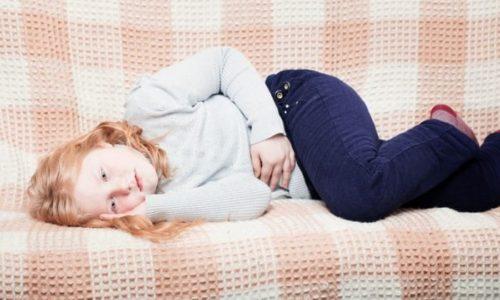 У ребенка рвота может возникнуть из-за болезней пищеварительной системы