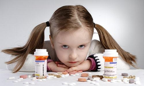 Как свидетельствует опыт педиатрической практики, фирмы-производители Панкреатина устанавливают разные возрастные ограничения для приема лекарства детьми