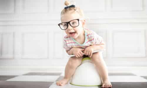 Учащенные позывы к мочеиспусканию у детей 1 года жизни считаются нормой, частота опорожнения пузыря у новорожденных достигает 20-25 раз в сутки