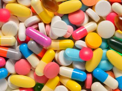 Причиной тошноты без рвоты могут быть такие лекарства, как сердечно-сосудистые препараты.