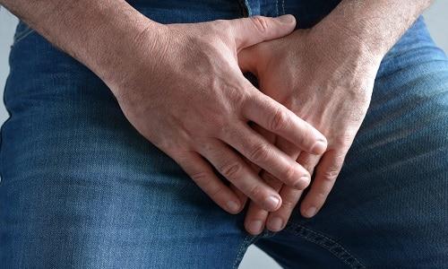 В уретре воспалительный процесс затрагивает слизистую оболочку. Моча раздражает пораженные участки, в результате чего и возникает чувство жжения