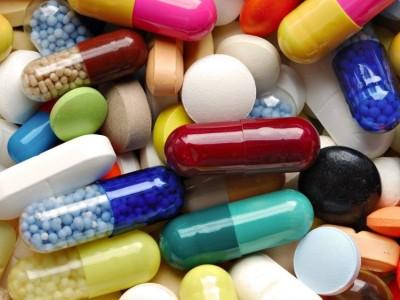 Есть достаточно много причин нарушений микрофлоры кишечника у человека, но чаще всего это долгое время употребления антибиотиков и других медикаментов