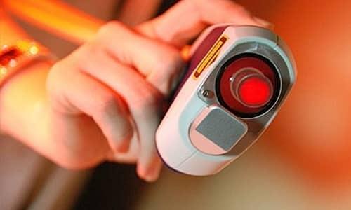 Для устранения чувства полного мочевого пузыря врач-уролог назначает лазеротерапию