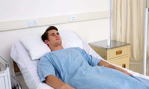 Симптоматическая картина воспаления поджелудочной железы и желчного пузыря интенсивная, нередко пациент попадает в стационар из-за нестерпимой боли