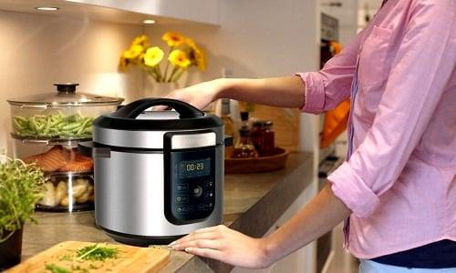 Такая кухонная техника, как мультиварка, достаточно удобна для приготовления диетического мясного суфле