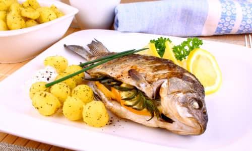 Основу меню составляют блюда, приготовленные на пару или запеченные