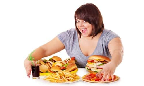 При хроническом заболевании неприятное чувство может вызывать переедание