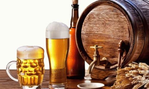 При цистите нельзя употреблять пиво и прочие спиртные напитки, поскольку они способствуют активному развитию болезни и ее обострению