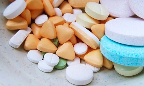Для нормального усваивания других лекарств нужно выдержать 2-часовой интервал после приема антацида