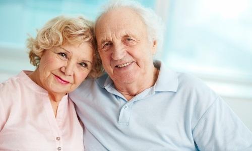 В пожилом возрасте, чтобы сбить температуру, можно один раз применить Анальгин, Парацетамол и Аспирин