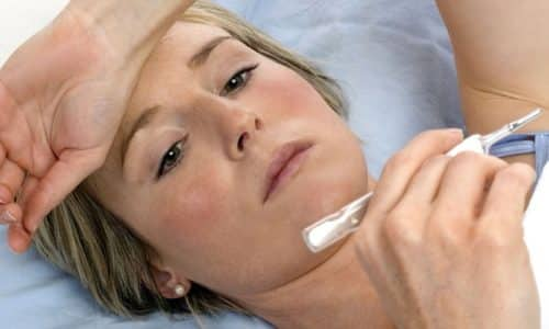 Температура с головной болью и тошнотой может говорить о гриппе. Велика вероятность того, что с этим заболеванием вы справитесь в домашних условиях самостоятельно