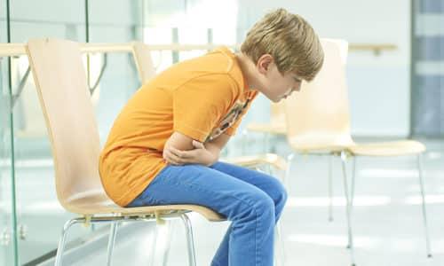 В возрасте 7 -10 лет часто возникает гастрит у ребенка, симптомы и лечение которого нельзя игнорировать родителям