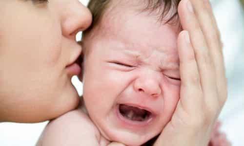 Когда у грудничка болит животик самыми распространенным внешним проявлением считается, непрекращающийся плач