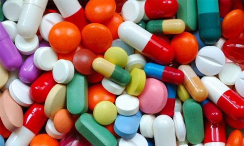 В зависимости от степени осложнения заболевания врачом назначается ряд медикаментозных препаратов