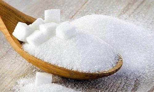 В полезные блюда из яблок можно добавлять небольшое количество сахара