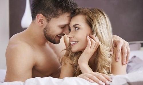 У женщины цвет мочи может измениться из-за разрыва кровеносных сосудов и повреждения слизистых оболочек во время полового акта