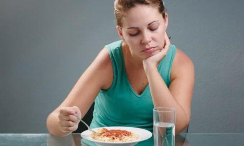 Симптомом болезни может стать плохой аппетит