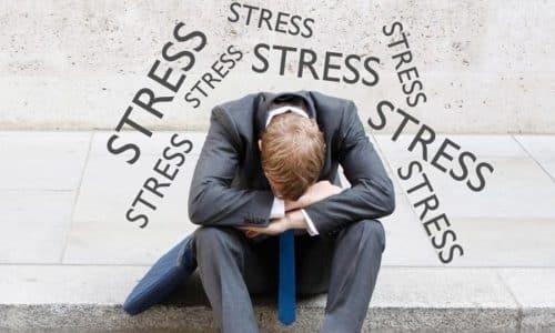 Понос после каждого приема пищи может быть последствием нервного и эмоционального стресса