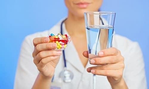 Для нормализации секреции поджелудочной железы назначают ферменты, которые жизненно необходимы для переваривания и усвоения белков, углеводов