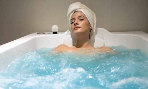 При цистите можно использовать теплые (+37... +38°C) ванночки для снятия боли