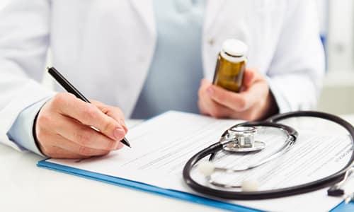 Принимать лекарство необходимо по рекомендации специалиста и под его постоянным наблюдением