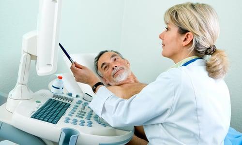 УЗИ органов брюшной области позволяет обнаружить участки с измененной эхогенностью и нечеткость контуров поджелудочной