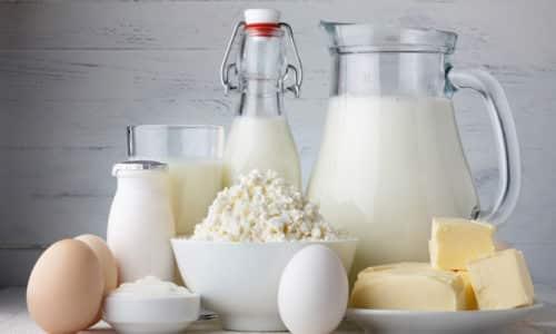 Для того чтобы простокваша оказалась на 100% полезной при сахарном диабете, эндокринологи рекомендуют своим пациентам ознакомиться и неукоснительно соблюдать все нормы, которые касаются ее применения