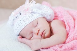 Неправильное положение во время сна - причина изменения прикуса
