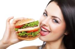 Неправильное питание - причина появления стоматита
