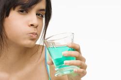 Антисептические полоскания полости рта при стоматите