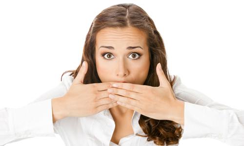 Проблема запаха ацетона изо рта
