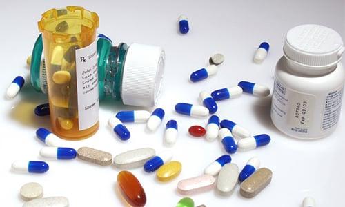 При герпесе выделяют две группы лекарств, характеризующихся эффективностью: противовирусные, иммуномодуляторы