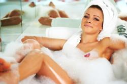 Теплая ванна для лечения головной боли
